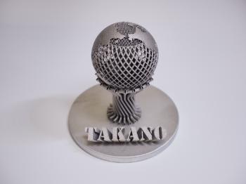 金属3Dプリンターで造ったアルミニウムの地球儀です