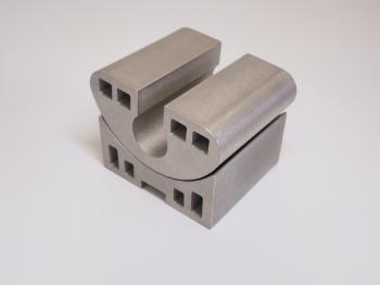 金属3Dプリンターで造ったステンレスのブレス用金型です