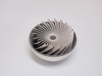 金属3Dプリンターで造ったステンレスのフィンがついた玉です