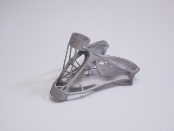 金属3Dプリンターで造ったアルミニウムのトポロジー最適化サンプルです